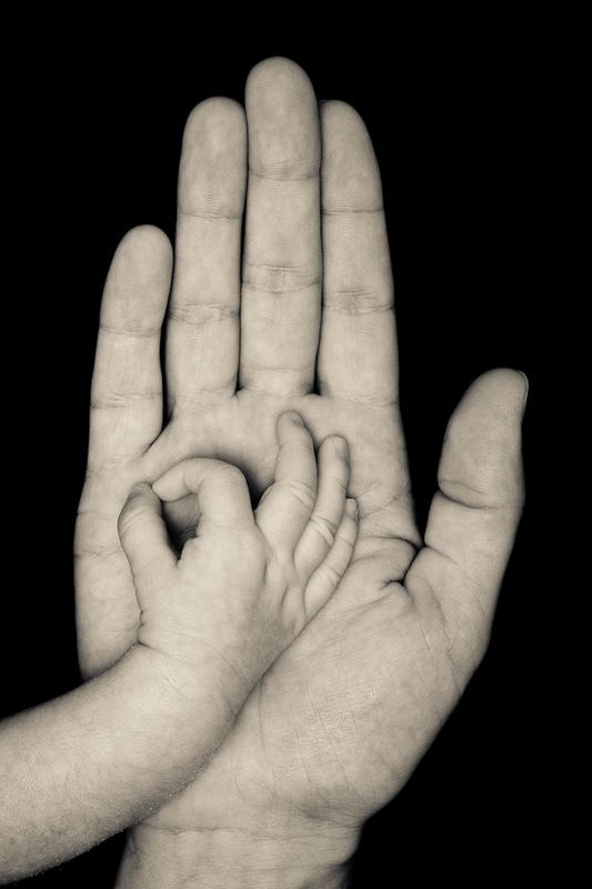 Instants Photos - Photographe de Mariage, Bébé et Enfant dans les Yvelines 78 & Paris 75. - Photographe bébé mains et pieds 78 Yvelines 75 Paris - Instants Photos - Photos artistiques creatives et originales