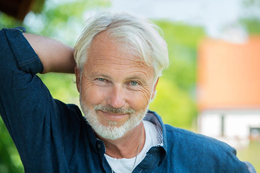 Fotograf Martin Magntorn - Författarporträtt, Mikael Bergstrand. Bokfabriken (2019)