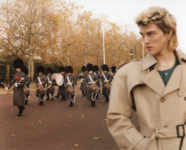 Nathan Henry - Vogue Italia - A Walk Around The Palace