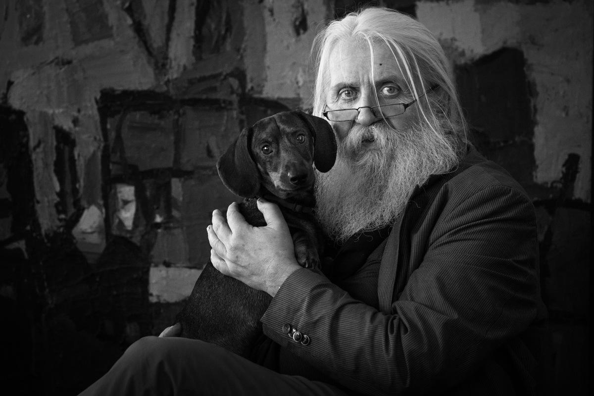 Matthias Eckert | Fotograf aus Weimar/Thüringen - Horst Peter Meyer | Maler (mit Dackel Korbinian)