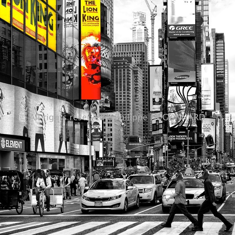 Philippe Hugonnard Photography - SAFARI CITYPOP / Savant mélange entre réalité urbaine et surréalisme sauvage, cette nouvelle série prend son essence dans les rues trépidantes de New York City et dans la faune sud Africaine. Les photos en noir et blanc ponctuées d'une touche «Spot Colors», se veulent humoristiques et légères.
