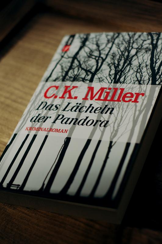 photography - Das Lächeln der Pandora / Kamora Verlag / Schweiz / 2013