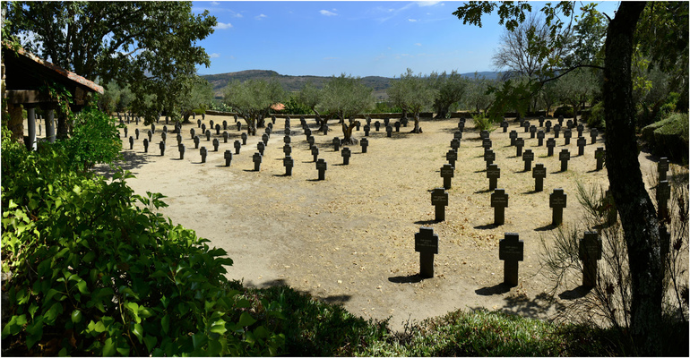 Fotografias - cementerio alemán de Cuacos de Yuste