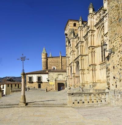 Fotografias - Monasterio desde la plaza -2-