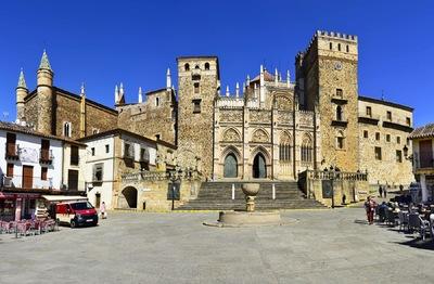 Fotografias - Monasterio desde la plaza -3-