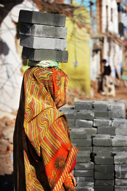 Iselin Shaw of Tordarroch - A young woman uses alternative methods to help out with construction work in Orchha, India.