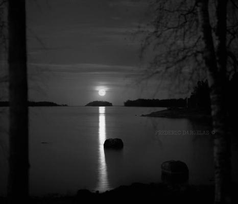 frederic dargelas photographer in Helsinki. Photography artwork. - Kuu (moon)