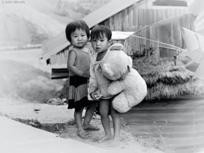 face of vietnam - La Hu children in Huoi Han Village, Muong Te