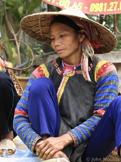 face of vietnam - La Hu, Muong Te Market