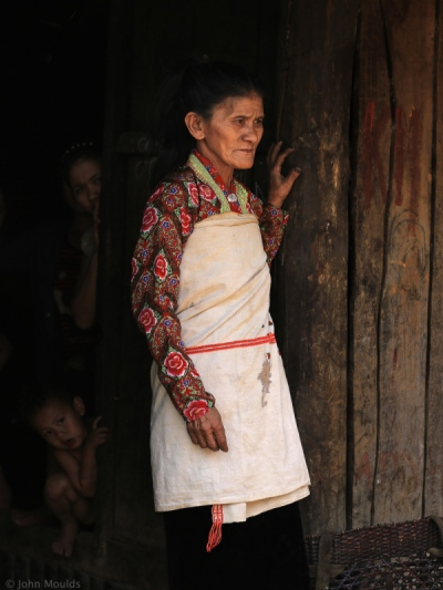 face of vietnam - Mang ethnic lady in traditional dress in A Mai Village, Pa Ve Su