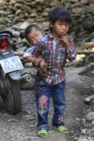 face of vietnam - Mang ethnic siblings in Nam Xe Village