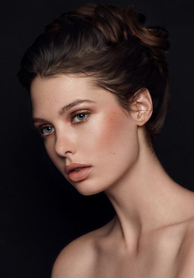 Camille Delattre | maquilleuse coiffeuse mariage Ile de France - Angéline Besigot