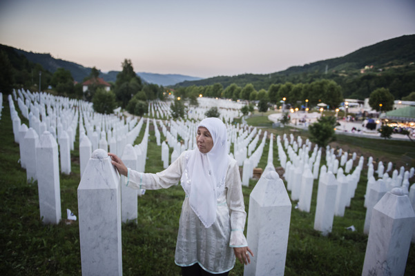 Photographer Anna Tärnhuvud - Hajreta in Srebrenica