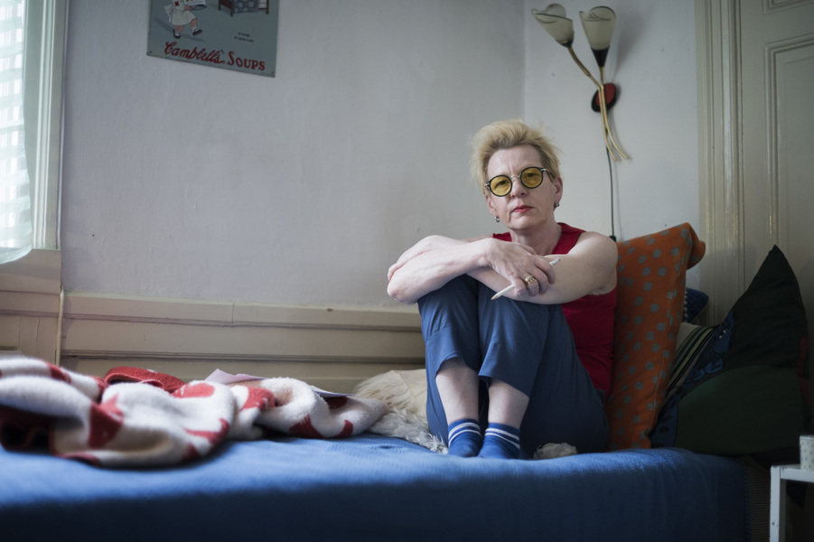 Photographer Anna Tärnhuvud - Beate Grimsrud, author. Tidningen Vi