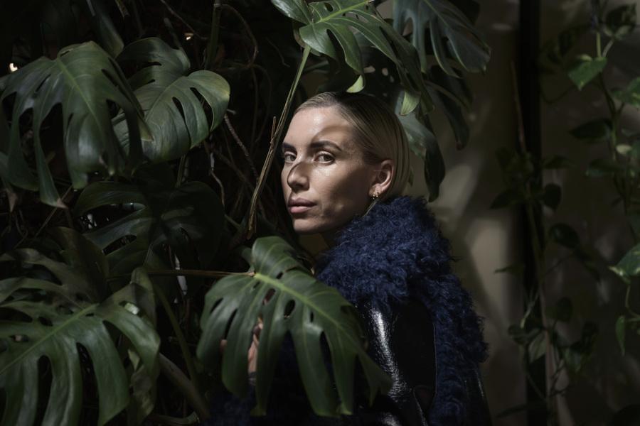 Photographer Anna Tärnhuvud - Lykke Li, musician. Svenska Dagbladet