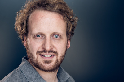 marc.reimann.foto - business portrait, headshot of a filmmaker