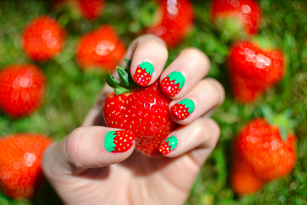 Blown A Wish Photography - Strawberry Nails (2013)