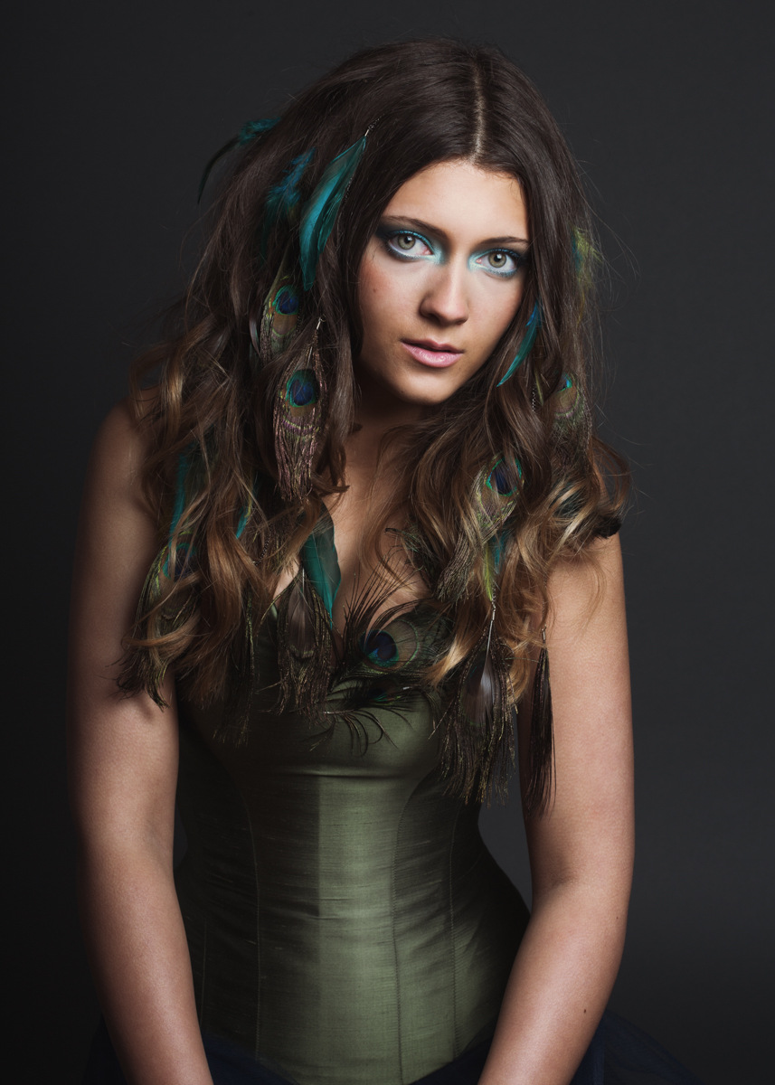 Justine Poupaud MUA - Photographe : Kasia Kozinski / Modèle : Celina Emrich / Makeup artist & Hairstylist : Justine Poupaud / Stylsite : Moi-Création / Bijoux : Aude Roussel