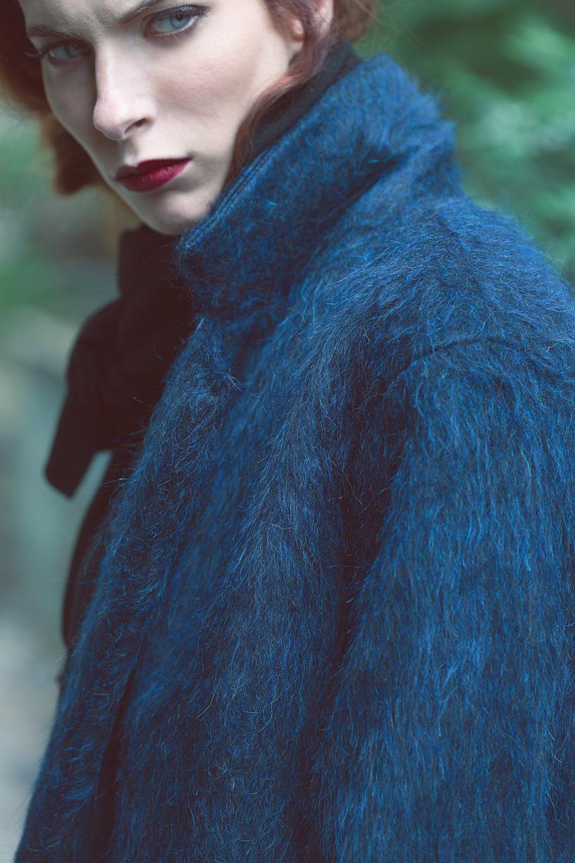 Justine Poupaud MUA - Passage to the fall Voir Fashion / Photographe : Kasia Kozinski / Assistant : Marc Tournier / Modèle : Julie Dufourg / Makeup artist : Sabine Leib / Assistante : Justine Poupaud / Hairstylist : Mickael Lescure / Stylist : Alix Devallois