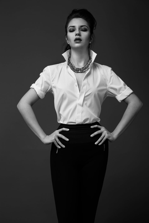 Justine Poupaud MUA - Photographe : Leon Fernando / Modèle : Ksenia Usacheva / Makeup artist : Justine Poupaud / Hairstylist : Arnaud Girardon