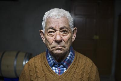 """nicolascarvalhoochoa - """"Quienes quedan en el pueblo de Valtuile de Arriba envejecen mientras que aquellos que debieron partir hacia nuevos horizontes permanecen en la memoria del lugar como jóvenes eternos."""""""