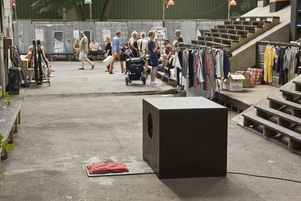 Leif Claesson - The interactive Glory hole. Trädgården 2012.