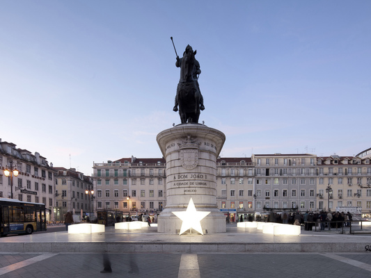 PEDRO SOTTOMAYOR DESIGN INDUSTRIAL - STAR CLUSTER Christmas lights for Lisbon
