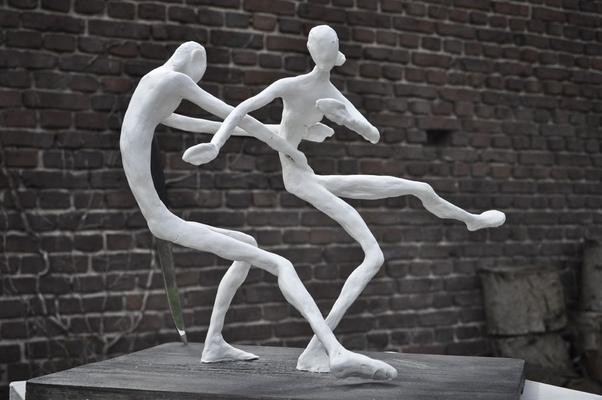 Anna Soremsky - gefährdete Balance, - in Privatbesitz