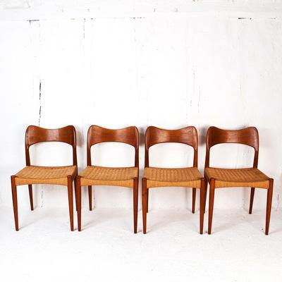 Perlapatrame - meubles - objets - vintage - 4 chaises Arne Hovmand Olsen design danois made in denmark 1960 VINTAGE TECK CORDE