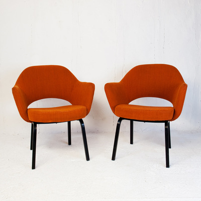 Perlapatrame - meubles - objets - vintage - paire fauteuils saarinen knoll international eero vintage conference executive armchair 1960 ORANGE