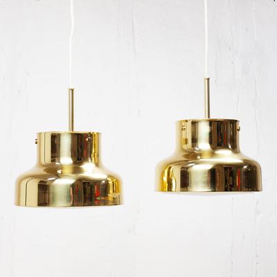 Perlapatrame - meubles - objets - vintage - suspension scandinave Bumling en laiton - 60s - Suède Design Anders Pehrson - Editeur Ateljé Lyktan