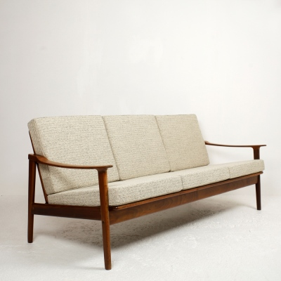 Perlapatrame - meubles - objets - vintage - CANAPE TYPE SCANDINAVE 1960s
