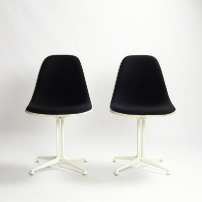 Perlapatrame - meubles - objets - vintage - 2 CHAISES EAMES LA FONDA