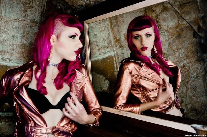 Cherry Black Diamond - Shooting - LATEX Châtelet - FRANCE.