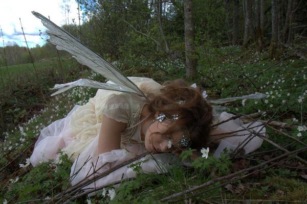 Maantyttäret - Photography: Tiitus Halonen Photography Costume: Maantyttäret Model: Annamaija Ruuttunen © 2015 Maantyttaret © 2015 TiitusHalonenPhotography