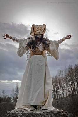 Maantyttäret - Arisen Photography: Constantine Morte Model: Ms. Ms.Sorrow Eye Costume: Maantyttäret © 2015 Maantyttaret © 2015 SkorpiusVision http://skorpiusdeviant.deviantart.com/