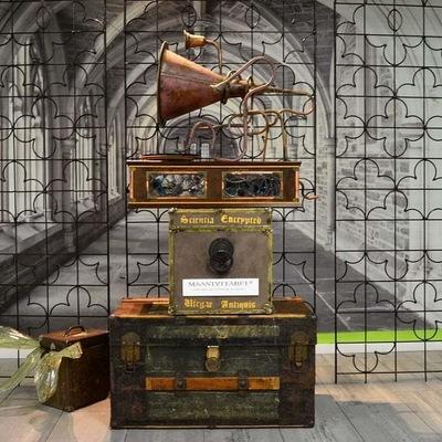 Maantyttäret - Gramophone from waterpipes and old trophys