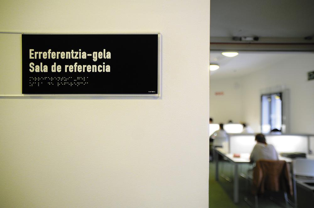Portfolio - Gabriela Fer - Rótulo Biblioteca