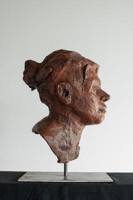 Galerie op 11 - Portret gepatineerde rode chamotteklei augustus 2015