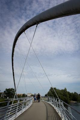 Mondfuchs - Art & Design - Arched Bridge Dessau