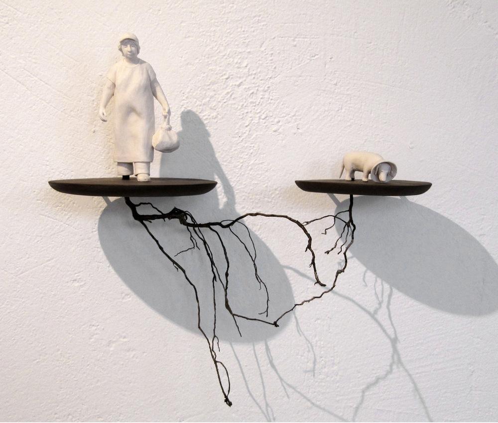 Lina Eriksson-keramikkonstnär - Porcelain, earthenware, root. H:30cm