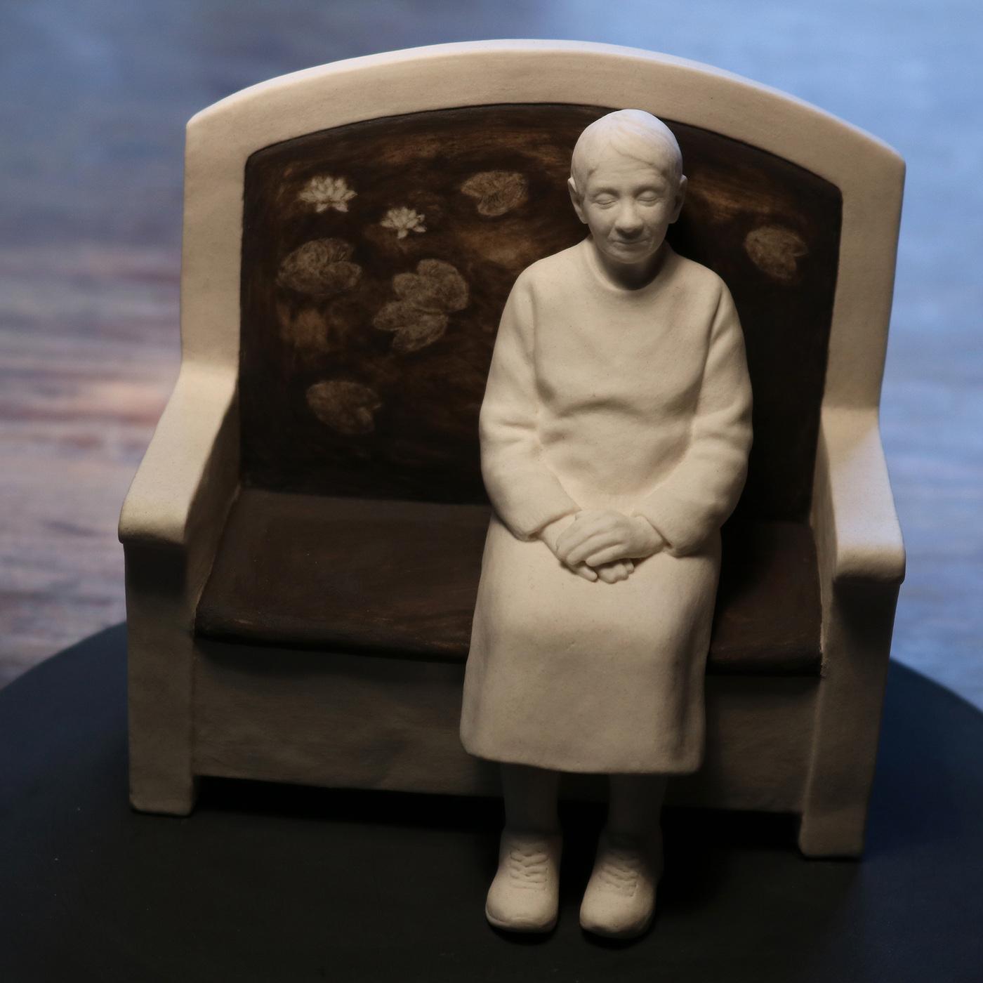 Lina Eriksson-keramikkonstnär - The water lilies. Porcelain. H:12cm