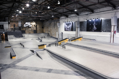DENNIS SCHOLZ PHOTO - Nike SB Shelter