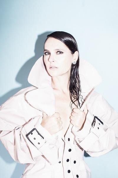Noemie Masselin Make-Up ,Hair Artist - Virginie Ledoyen makeup