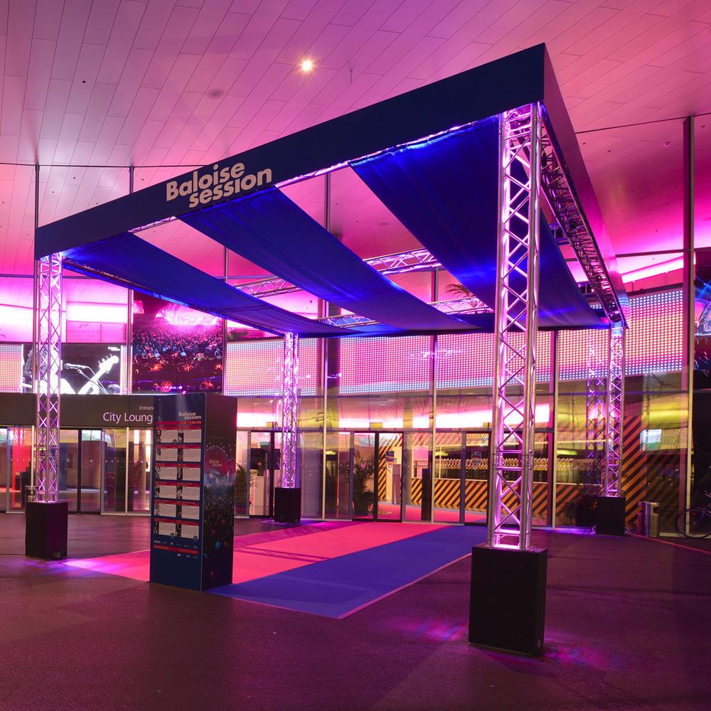 - Eingangsbereich Messe Basel