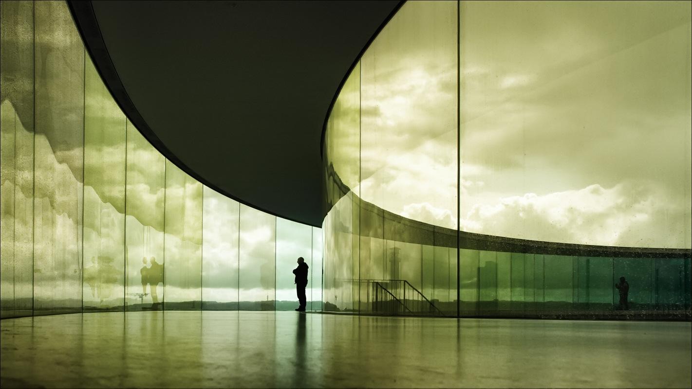 Nicole Oestreich ... - Olafur Eliasson Your rainbow panorama, 2006 - 2011 Photographer: Nicole Oestreich ARoS Aarhus Kunstmuseum, Denmark © 2006 Olafur Eliasson