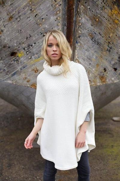 Yasmin and Leela Carr-Bond - Cove Knitwear, Jake Eastham, 2015