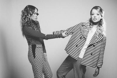 Yasmin and Leela Carr-Bond - 60S Twins, Joanna Ritchie, 2015
