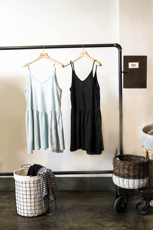 Cam-Anh lg - Women Clothing rack. Set design and photography