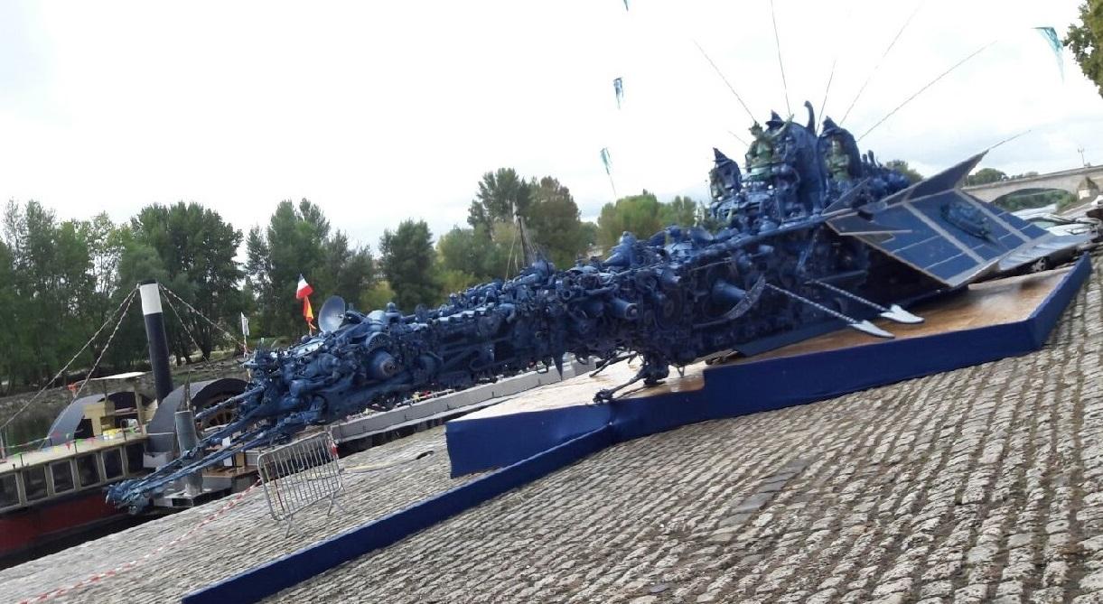 Jacques Lélut - AQUANEF / Vaisseau de 24 m x 8m, entièrement réalisé à partir de matériaux recyclés